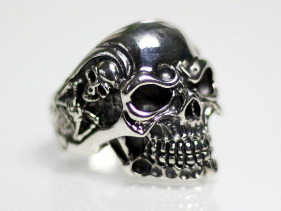 h039-totenkopf-ring_925-silber-skilett-harley-biker-totenschaidel-skull.jpg